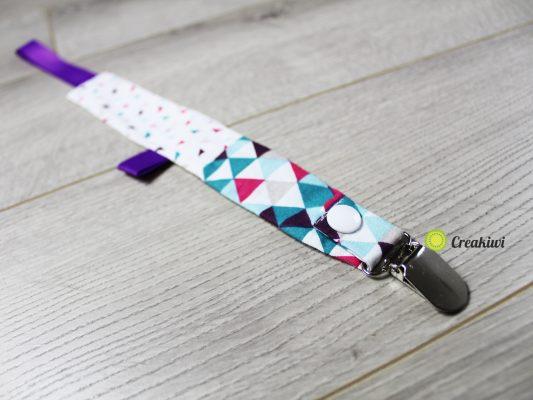 Attache tétine avec pince métal ruban violet
