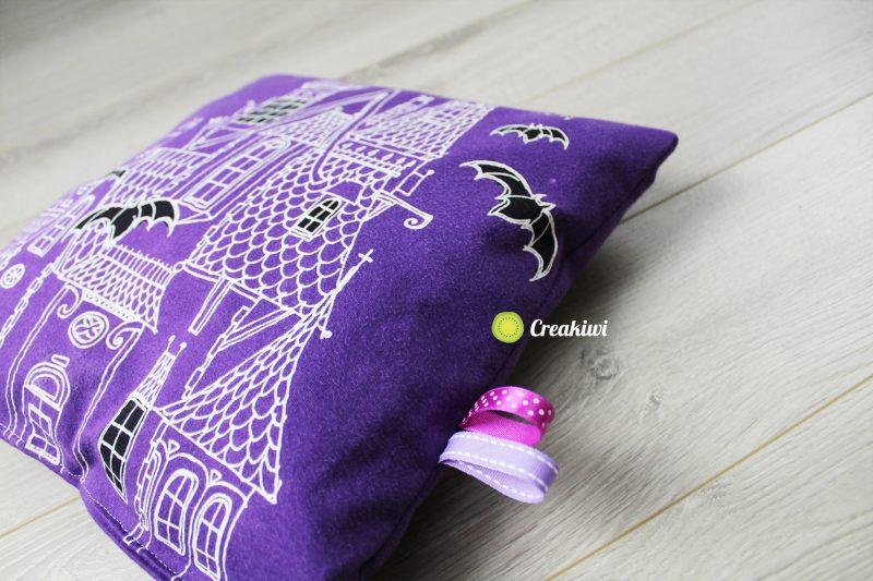 Coussin violet Halloween fluorescent