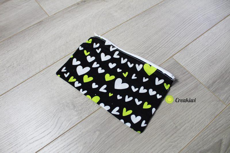 Trousse noire et verte coeur