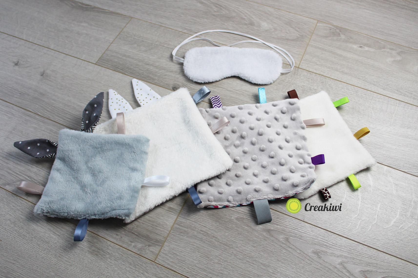 Doudous étiquettes carrés touts doux, couture bébé et enfant