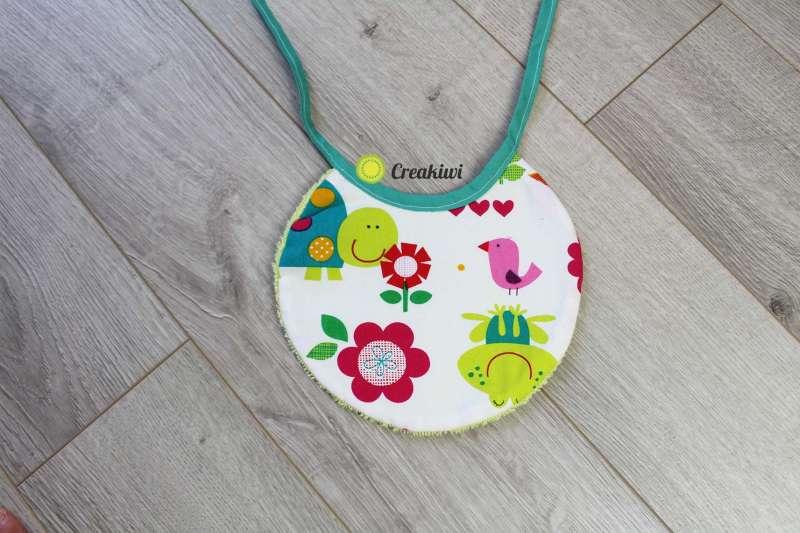 Bavouille coloré animaux de la nature petit bavoir pour bébé Creakiwi