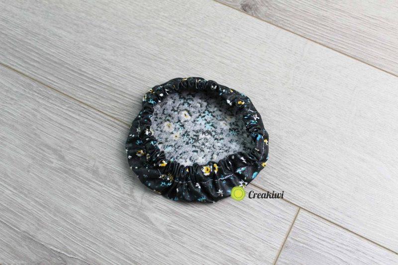 Couvercle écologique diamètre 10cm motif noir fleuri Creakiwi