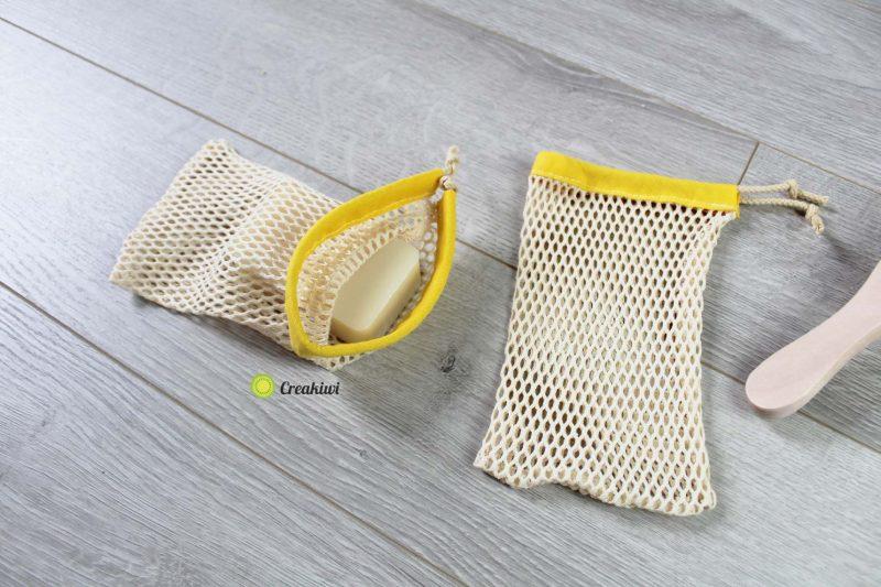 Filet à savon couleur jaune pour la douche