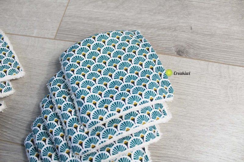Lot de 10 lingettes démaquillantes en bleu 10x10cm